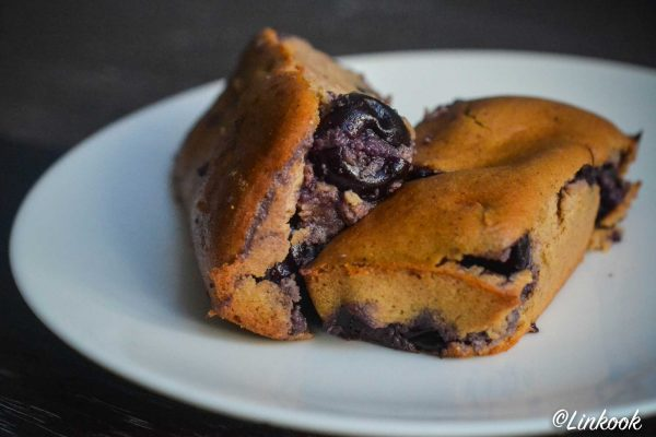 Petits cakes vegan aux cerises façon clafoutis   ©Yood (Good food good mood for you)
