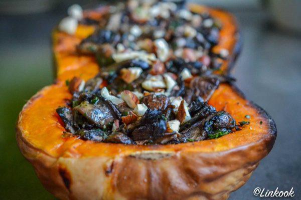 Courge butternut rôtie & champignons persillés aux noisettes | ©Yood (Good food good mood for you)