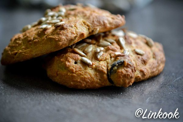 Scones salés aux olives noires & romarin | ©Yood (Good food good mood for you)